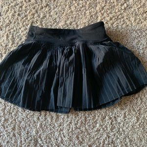 Ivivvia size 6 tennis skirt